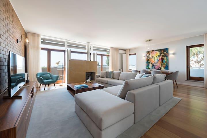 Atlantic House - Waterfront Luxury Home