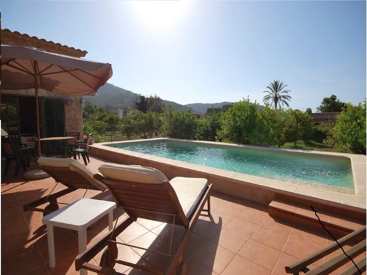 Nueva casa, jardin y piscina perfecta!!!!