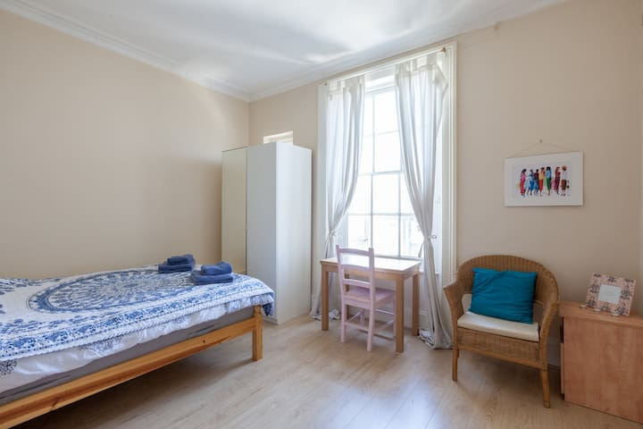 Private room in Pimlico, London