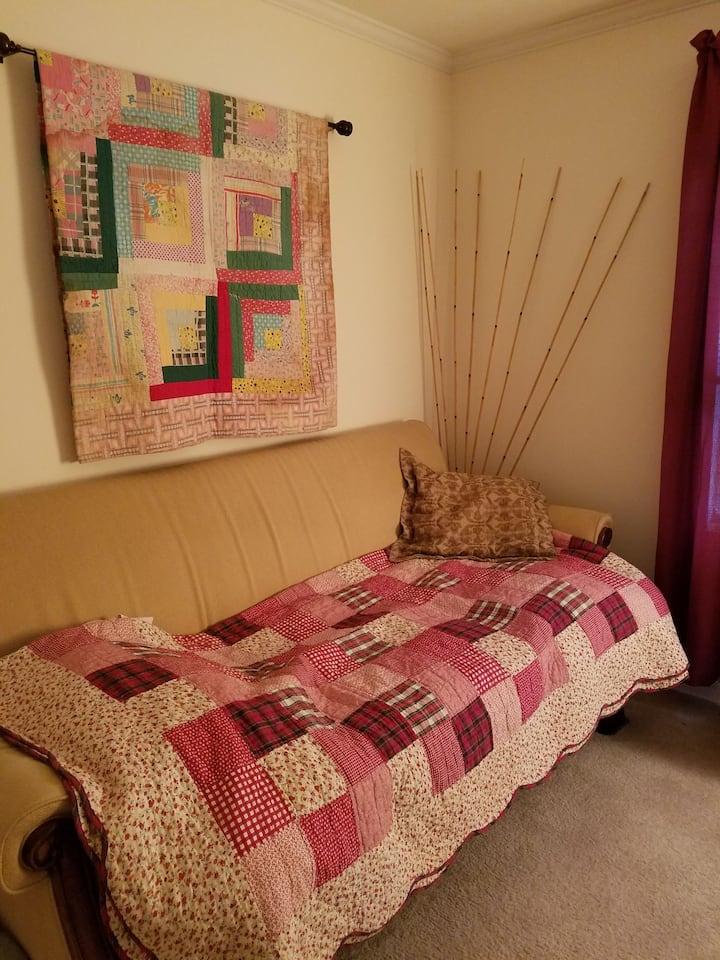 Cozy quiet room for you