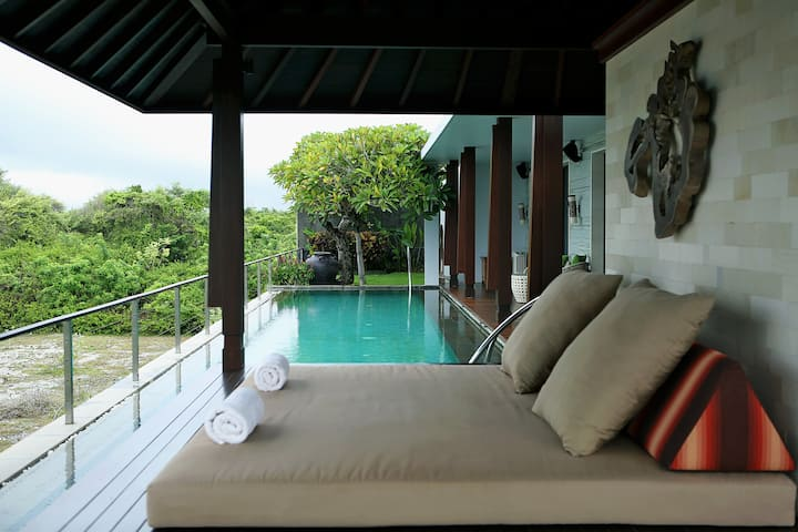 GAIA Cliff Villa, Ocean View over Pandawa Beach