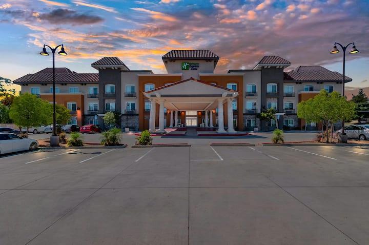 Holiday Inn Express Banning