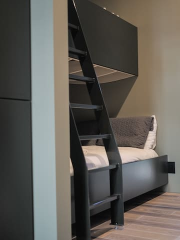 Bunk area for kids or guests