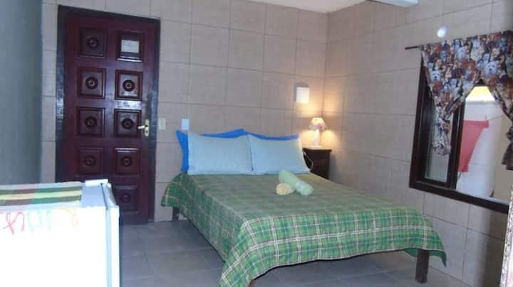 Suite bem localizada, sem cozinha, Centro / Buzios