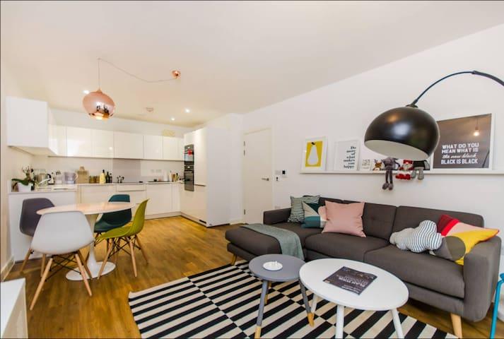 Scandi 2 Bedroom Flat in Greenwich