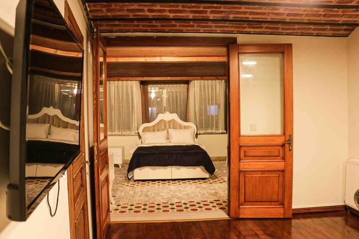 Cozy Flat with Bosphorus View