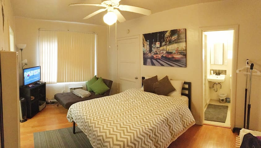 Central Apt 2 Blocks From Capitol nightlife food - Sacramento - Daire