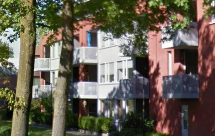 Fraai appartement met ruim balkon en lift
