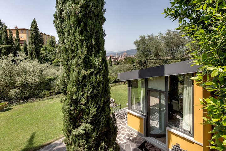 Exclusive cottage with view Piazzale Michelangiolo - Firenze - Villa