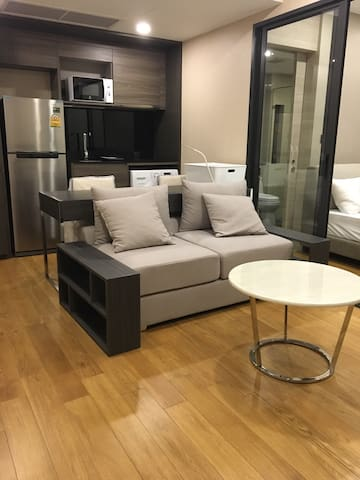 300meters from ChidlomBTS one BR - Bangkok - Appartement