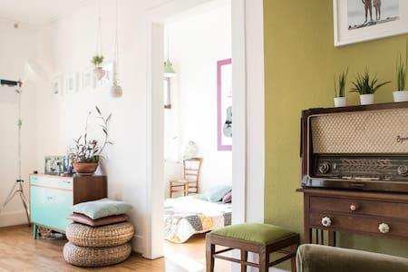 Beautiful, cozy flat - close to the city center :) - Stuttgart - Huoneisto