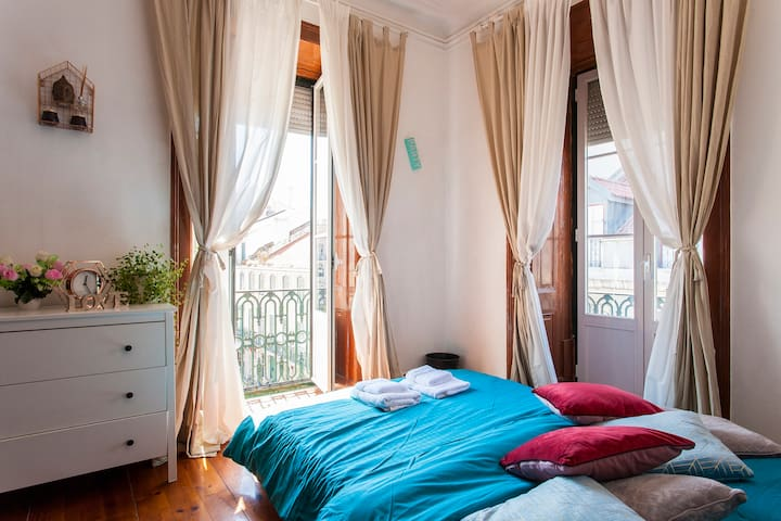 Center cozy flat in Lisbon; Best location and view