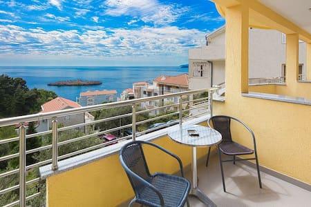 Triple room with sea view - Sveti Stefan