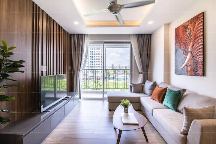 * Sunrise riverside* Contemporary 3 bedrooms.