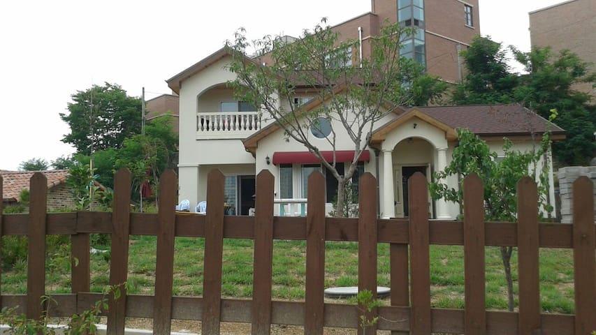 Beautiful house with yard !! Wellco - 천안시, 충청남도, KR - Talo