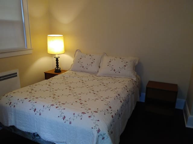 Nice room in historical Somerville for you!