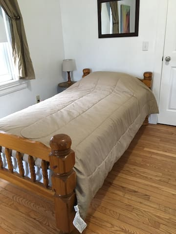 2nd floor single size bed, off Wickenden Street