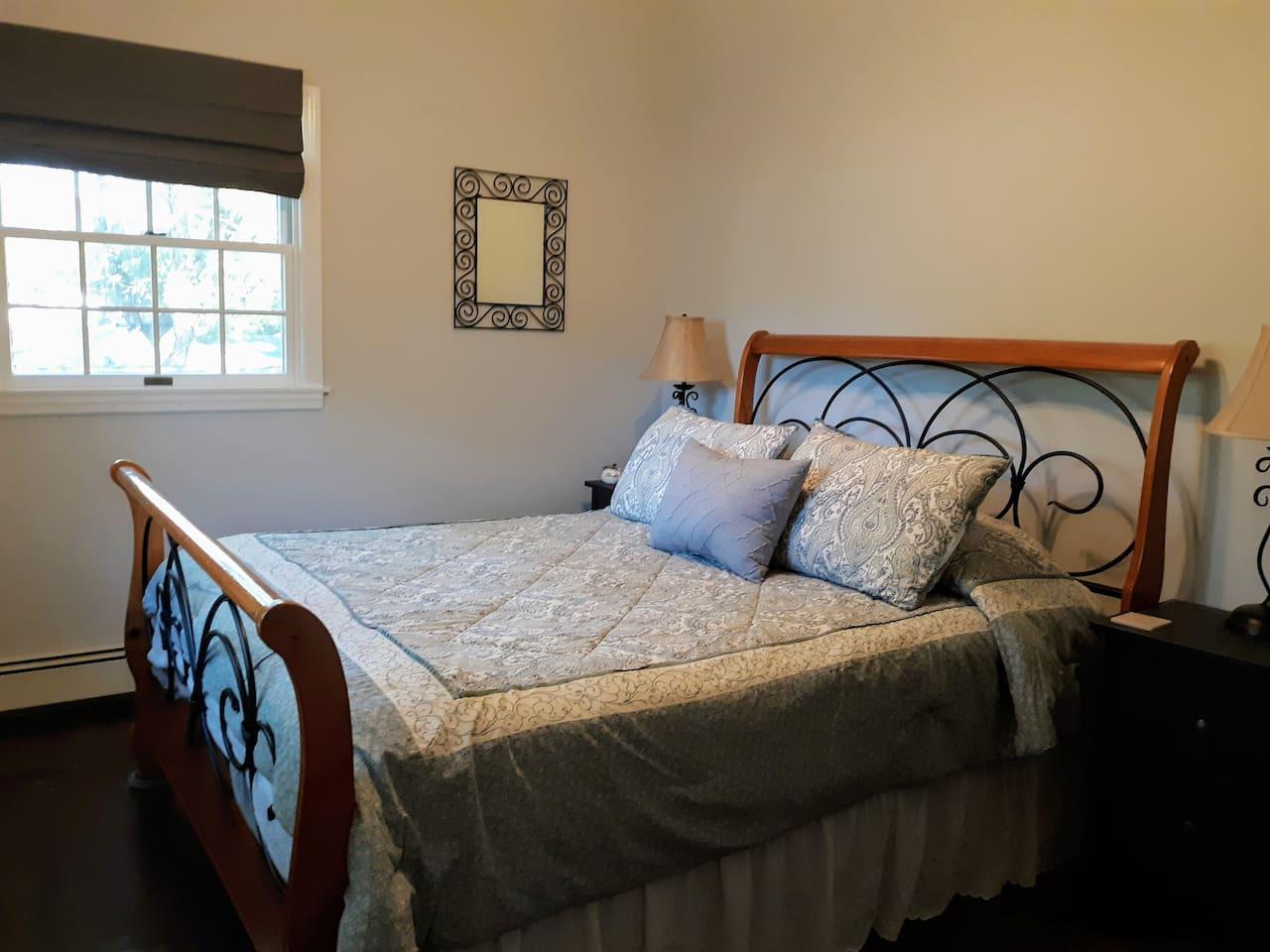 Cozy Queen size bed