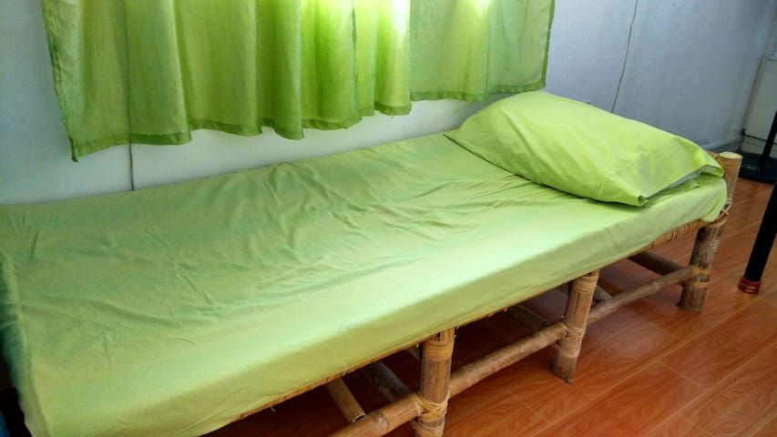 Backpackers Rm BedC Budget Friendly - Lucban - Lägenhet