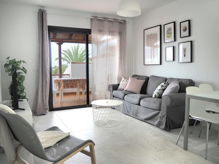 New, plenty of light, 2 bedrooms, terrace and Wifi