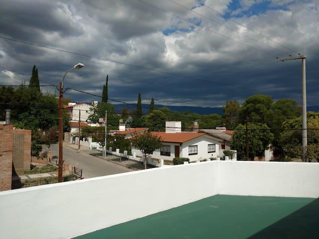 ALQUILO DPTO INMEJORABLE UBICACION EN MINA CLAVERO - Mina Clavero - Lejlighed