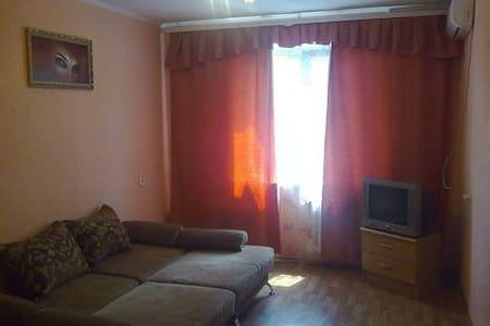 Сдам комнату посуточно - Surgut - Daire