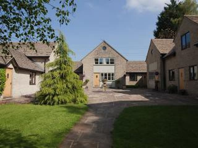 Windrush Cottage - Seven Springs - House