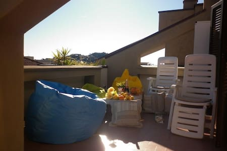 Penthouse, central, at 100 mt from sea. Parking - Sestri Levante