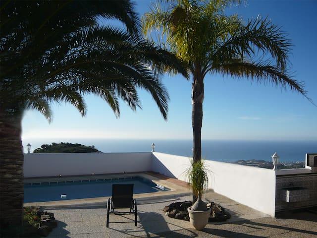 Casa Palmeras y Mar - Sayalonga