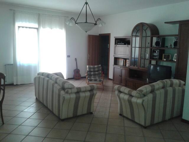 CONOSCERE E VIVERE IL GARGANO - MARE E MONTI - Cagnano Varano - Lägenhet