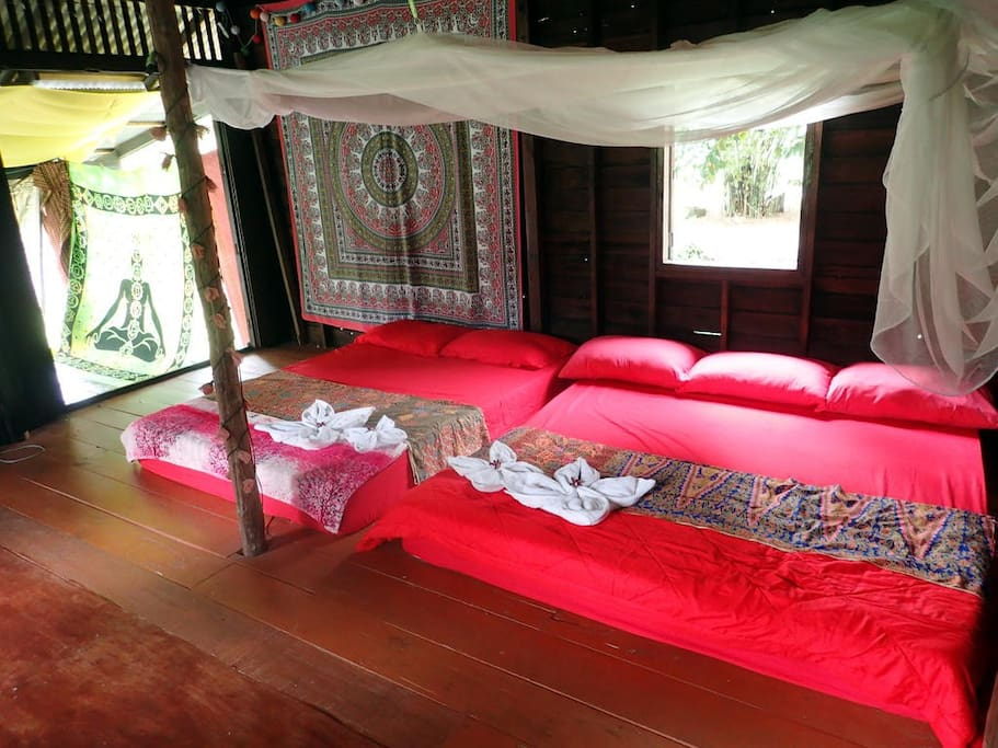 Huge room in traditional thai house h user zur miete in for Traditionelles thai haus