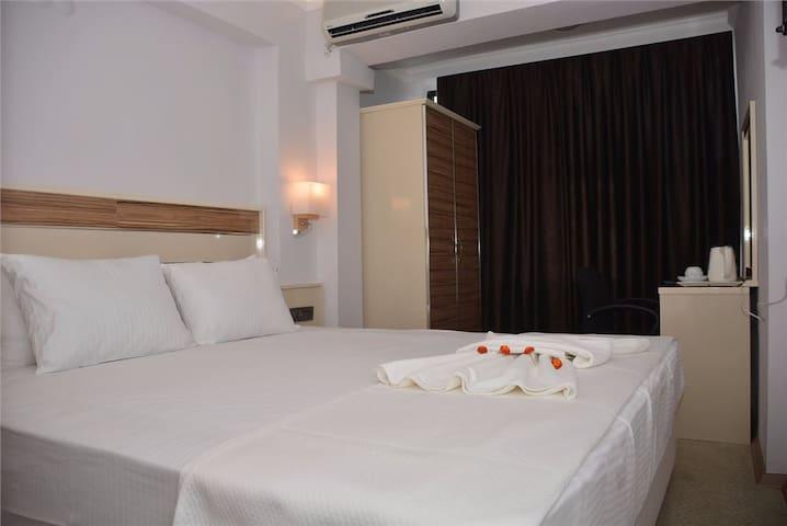 Best Smyrna Hotel1
