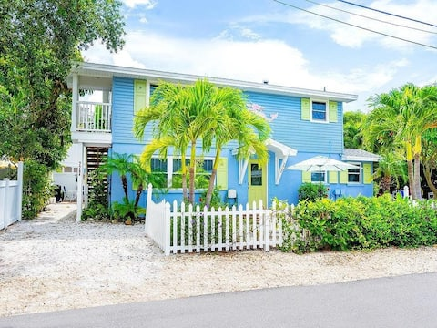 CHARMING HOUSE W/HEATED POOL,STEPS TO BEACH UNIT B