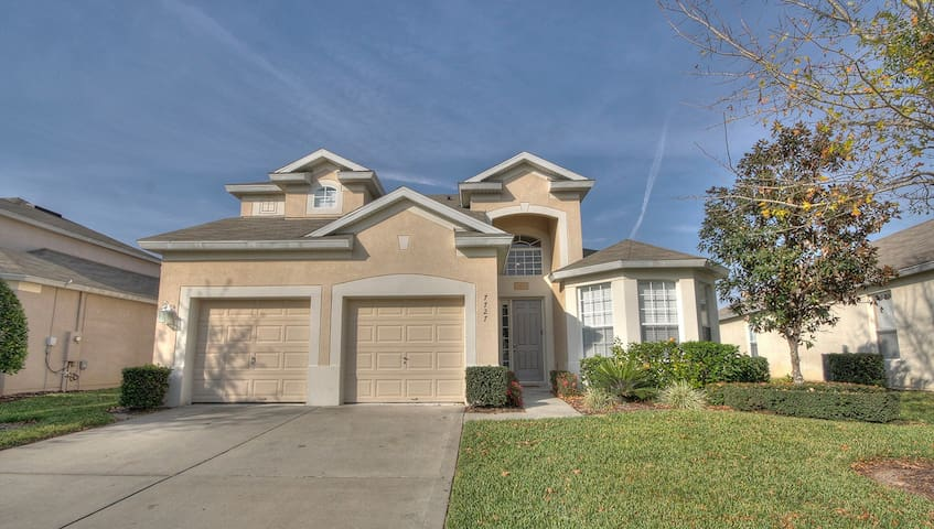 5 Bed/5 Bath in Windsor Hills - 2 miles to Disney - Kissimmee - Villa