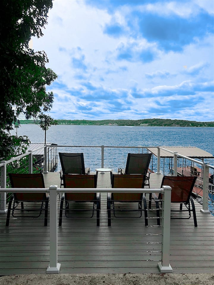 Lakefront Deck and Private Dock w/ View for Miles