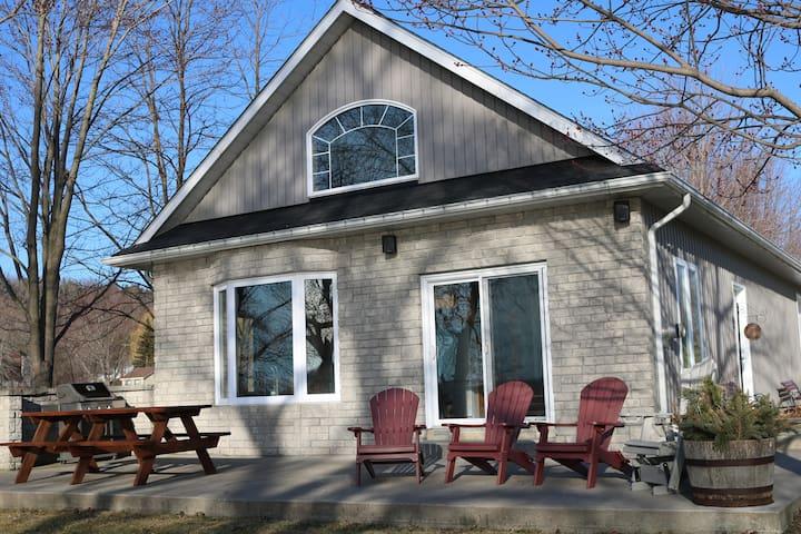 Long Reach Retreat Cottage