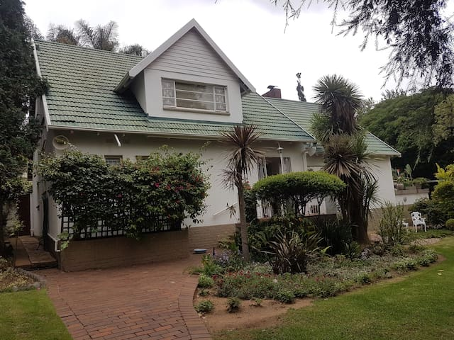 Friendly private home in NE Johannesburg