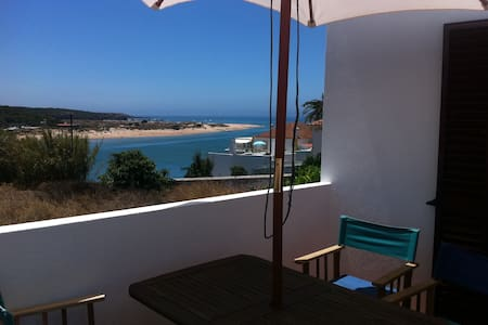 House in the old town of Milfontes with sea view - Vila Nova de Milfontes - 独立屋