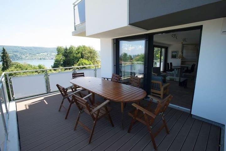 Ferienwohnung Konrad, (Gaienhofen), Ferienwohnung im Obergeschoss, 100 qm, 2 Schlafzimmer, Balkon, max. 4 Personen