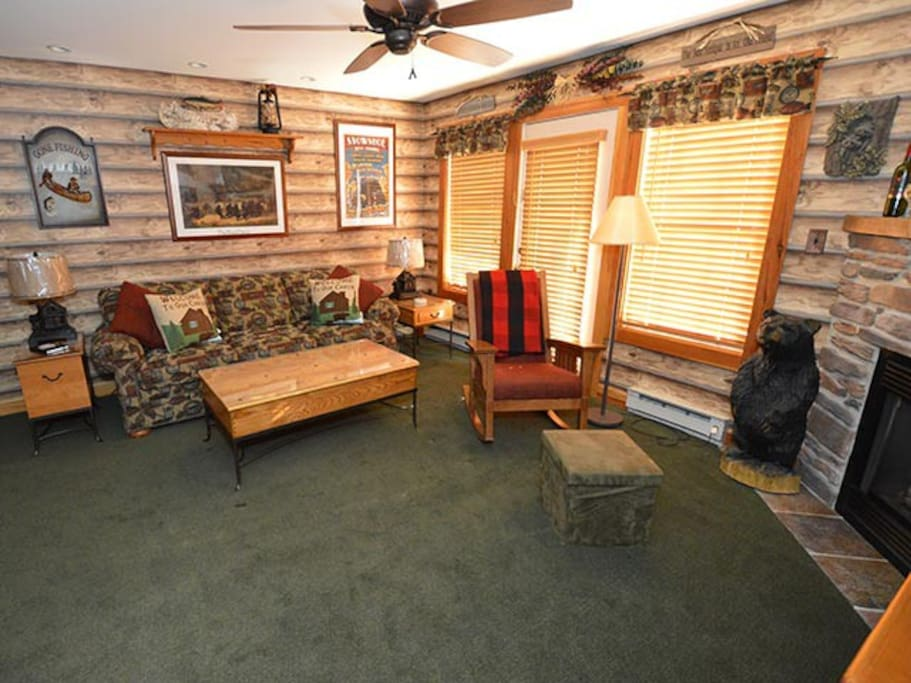 Camp 4 #18 - 1 Bedroom Ski In/Ski Out Condominium - Perfect for 1 couple and up to 2 children.