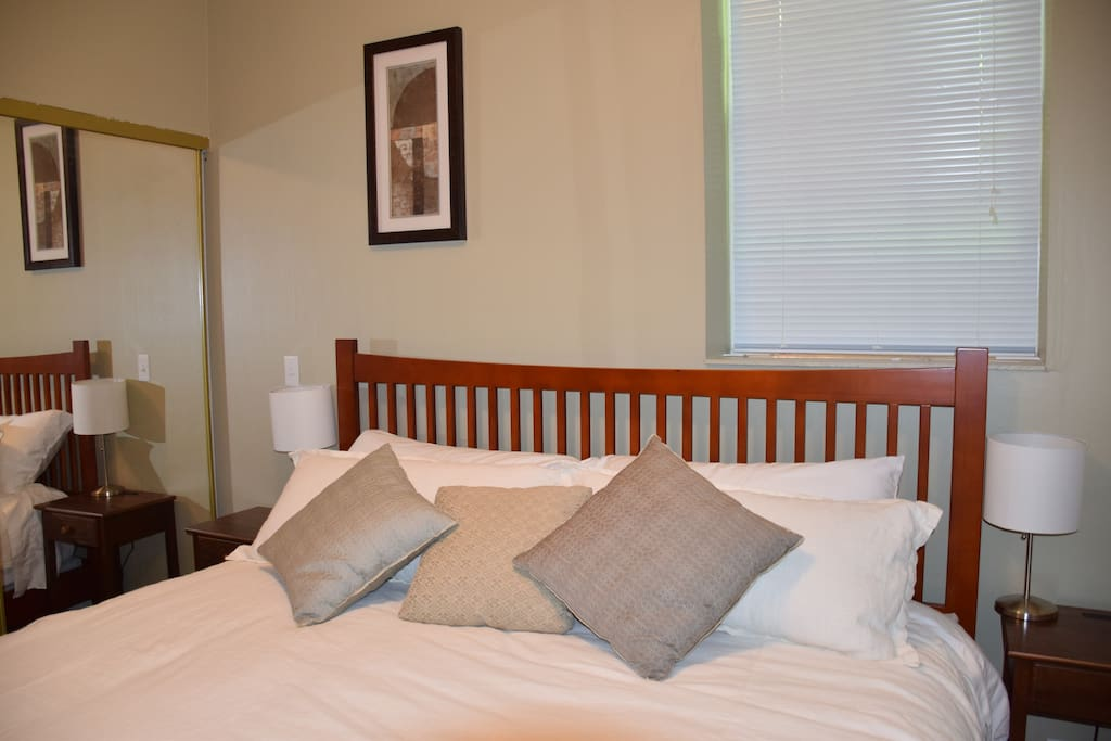 My guests enjoy a King size bed with 1000 thread count cotton sheets