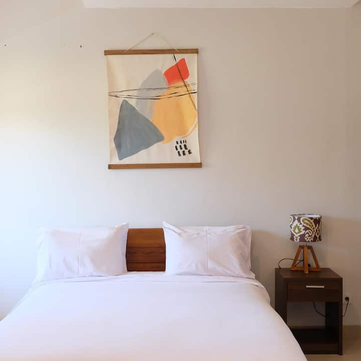 NEWLY RENOVATED- #3 Rice Field View Biliq Coliving