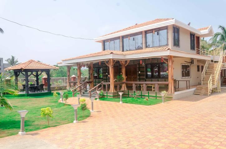 Malhar Villa - Family Room
