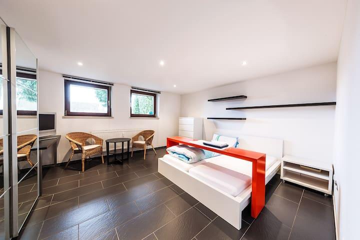 Naturnah ruhig wohnen für 1-2 Personen - Leinburg - Apartment