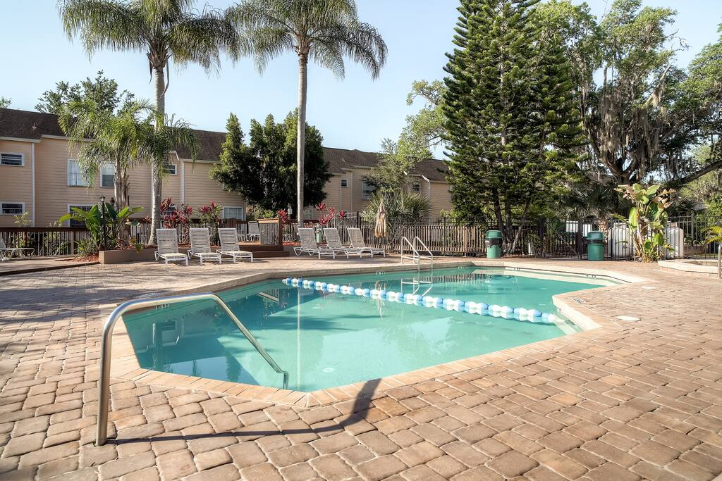The Villas at Somerset community provides access to shared amenities such as the pool, hot tub, and fitness center.