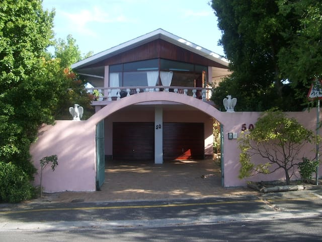 Self-catering, easy living, central - Cidade do Cabo - Casa