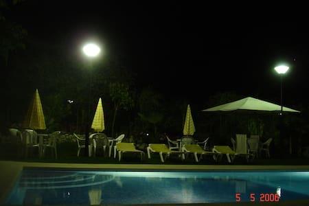 Espaço tropical - Pinhal Novo - Haus