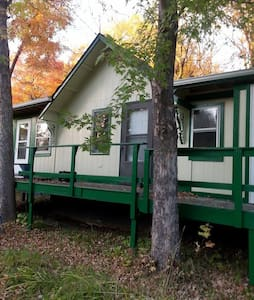 Maple Leaf Resort Cabin 4
