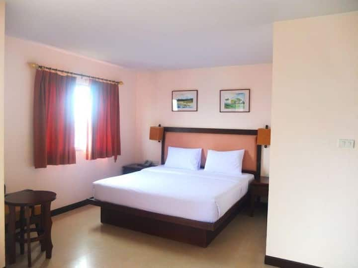 Deluxe Room at Naris Art Hotel