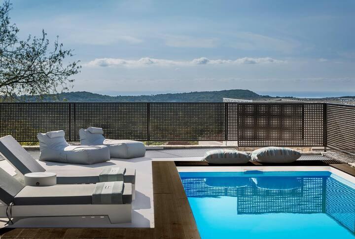 Modern Minimalist Villa Naias